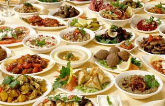 لتجنب مشكلات الهضم المتكررة كل عيد.. كيف تعود لتناول الطعام بعد 30 يوم صيام