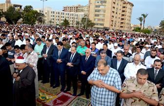 محافظ بورسعيد ومدير الأمن يشاركان أبناء المحافظة صلاة العيد|صور