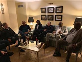 بعد الإفراج عنه.. رئيس الكاف يستعرض مع هاني أبوريدة استعدادات تنظيم الأمم الإفريقية