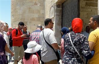 إقبال كبير على قلعة قايتباي بالإسكندرية في ثالث أيام العيد | صور