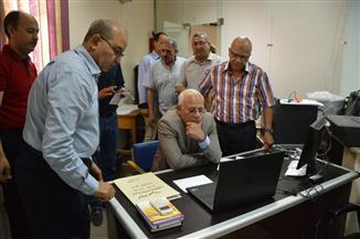 محافظ بورسعيد يتفقد غرفة عمليات الثانوية العامة ويتابع سير الامتحانات