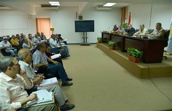 محافظ أسيوط يعقد اجتماعا لمناقشة الانتهاء من الخطة الاستثمارية | صور
