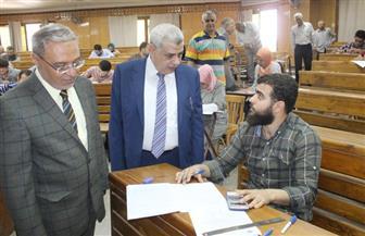 نائبا رئيس جامعة طنطا يتفقدان سير امتحانات الفصل الدراسي الثاني في كلية الهندسة | صور