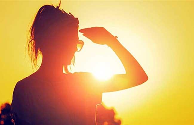 الأرصاد: ارتفاع نسبة الرطوبة سبب الشعور بارتفاع درجة الحرارة -