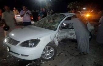 سيارة طائشة تصطدم بأخرى أعلى محور صفط اللبن.. وسقوط جزء من السور الحديد