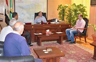 """""""سعد"""" يشدد على ضرورة الالتزام بطلاء واجهات المنازل بلون موحد بالفيوم"""