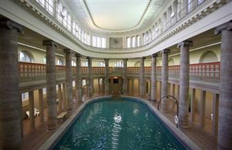 سياسي ألماني يطالب بشرطة لحمامات السباحة في برلين