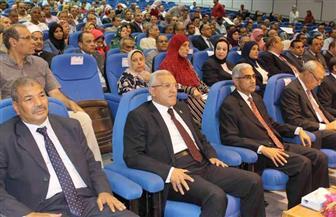 جامعة جنوب الوادي تكرم الدكتور عباس منصور في احتفالية بحضور المحافظ | صور