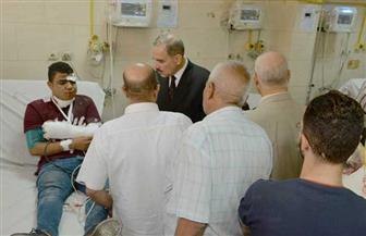 محافظ أسيوط يزور مصابي حادث تصادم طريق أسيوط القاهرة الزراعي بالمستشفى الجامعي | صور