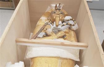 بدء ترميم التابوت الذهبي للملك توت عنخ آمون بعد نقله من المقبرة إلي المتحف المصري الكبير