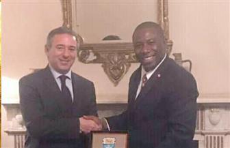 سفير مصر بلندن يستقبل وزير النقل في جزر البهاما | صور