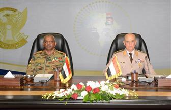 رئيس الأركان يلتقى نظيره السوداني لبحث التعاون العسكري وتبادل الخبرات