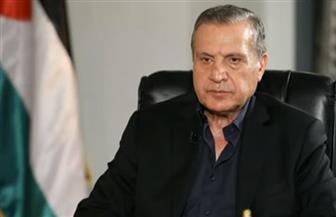 أبو ردينة: القيادات الفلسطينية تقف بالإجماع خلف أبو مازن.. وهناك قرارات خطيرة وصعبة |فيديو
