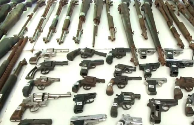 ضبط  عاطلين بحوزتهم أسلحة نارية بالقليوبية