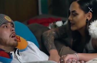 """""""الحب أقوى من السرطان"""".. فتاة تتزوج من حبيبها المريض قبل وفاته بيوم"""
