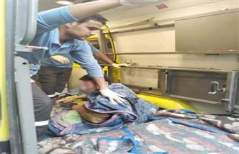 كسروا البلكونة واستعانوا بونش.. حي حلوان يستجيب لطلب مواطن يزن 500 كجم بنقله للمستشفى