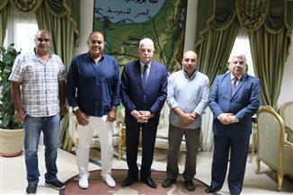 محافظ جنوب سيناء: توفير سبل الدعم الممكنة لإنجاح بطولة العالم للسباحة بالزعانف