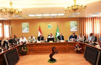 محافظ الشرقية يستعرض مع نواب البرلمان تقنين أوضاع أراضي الدولة