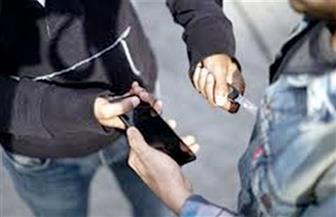 القبض على المتهمين بالتعدي على سائق وسرقته بالإكراه في بدر