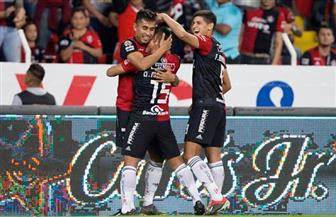 جوادالاخارا يهزم موناركاس ويتصدر الدوري المكسيكي