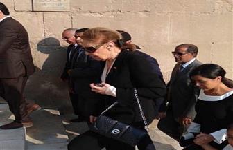 رئيس حي الخليفة: زوجة شاه إيران  تزور قبر زوجها بمسجد الرفاعي كتقليد سنوي تتبعه منذ 39 عامًا | صور