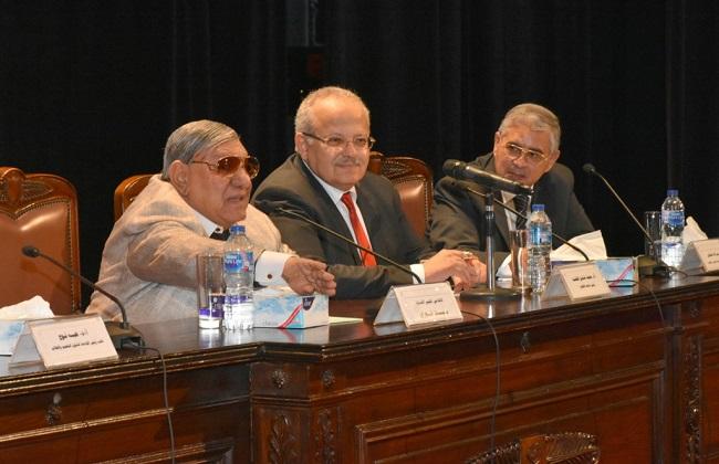 رئيس جامعة القاهرة: تطوير العقل المصري يعتمد على الحوار للوصول للحقائق   صور