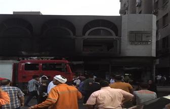 إصابة شخص إثر اشتعال النيران بمقر شركة بوسط البلد | صور
