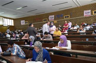 رئيس جامعة سوهاج يتفقد امتحانات وظائف شركة مياه الشرب | صور