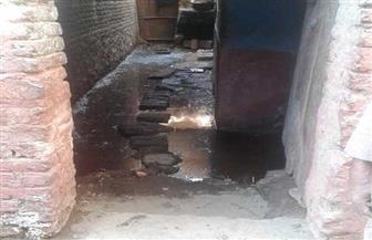 مياه مجهولة المصدر تغرق منازل قرية المواساة في إدفو.. ومسئول: نبحث أسباب الظاهرة