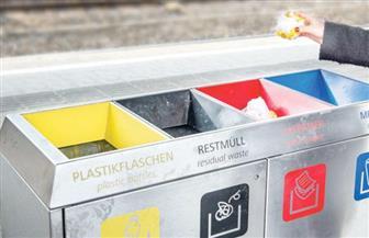نشطاء الإصلاح الانتخابي في بريطانيا يحولون حاويات القمامة إلى صناديق اقتراع