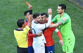 حكم تشيلي والأرجنتين يبرر طرد ميسي