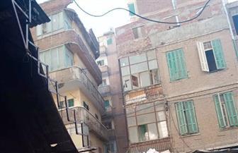 سقوط أجزاء من عقار قديم بالجمرك غربي الإسكندرية دون إصابات | صور