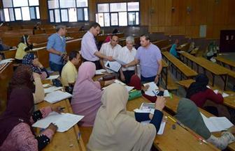 رئيس جامعة سوهاج يتفقد امتحانات الدبلومة العامة والتأهيل التربوي بكلية التربية | صور