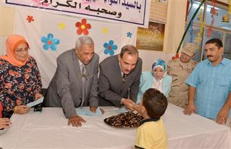 محافظ أسيوط يزور دور الأيتام لتقديم التهنئة بعيد الأضحى ويشارك الأطفال احتفالهم | صور