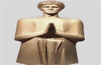 هشام قنديل يكشف عن تمثال عفيفي مطر بعد تسمية مدرسته بالمنوفية