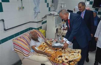 محافظ البحر الأحمر يزور المستشفى العام بالغردقة لتهنئة المرضى والعاملين بـ عيد الأضحى| صور