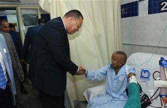محافظ الشرقية يزور المرضى بمستشفى المبرة ويقدم لهم الحلوي احتفالا بعيد الأضحى |صور