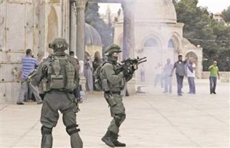 قوات إسرائيلية تعتقل 3 فلسطينيين غرب رام الله وتستولى على تسجيلات الكاميرات