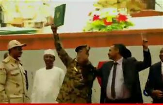 توقيع وثيقة انتقال السلطة في السودان وسط أجواء احتفالية وحضور مصري ودولي