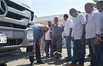 محافظ البحر الأحمر يتفقد الحملة الميكانيكية بمدينة الغردقة لمتابعة سلامة المعدات| صور