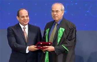 الرئيس السيسي يكرم الفائزين بجوائز النيل للفنون والعلوم من الدرجة الأولى