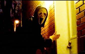 """""""ملابس الشبح"""".. أزياء تضلل كاميرات المراقبة في الشوارع"""