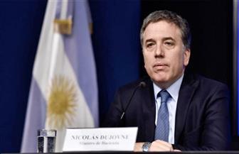 استقالة وزير الخزانة الأرجنتيني بعد انهيار العملة