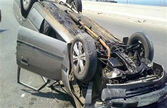 انقلاب سيارة وإصابة 4 بينهم طفلة في طريق الفيوم