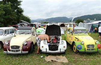 عشاق السيارات الكلاسيكية يزينون 3000 سيارة فى كرواتيا| صور