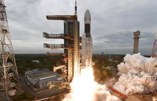 ناسا: مركبة الفضاء الهندية تهبط هبوطا عنيفا على سطح القمر -