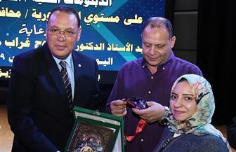 محافظ الشرقية يكرم بطلة ذهبية بطولة العالم البارالمبية لرفع الأثقال
