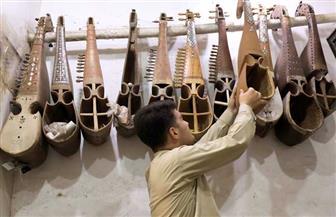 عزف عليها العرب قبل الإسلام وانتقلت لبلاد السند.. ماذا تعرف عن آلة الرباب الباكستانية؟ | صور