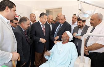 الكشف على 1400 مواطن خلال قافلة طبية بجزيرة أبو صالح في بني سويف| صور