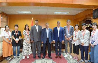 رئيس جامعة الأقصر يستقبل وفدا طلابيا يابانيا خلال زيارتهم للمعالم الأثرية وكلية الآثار